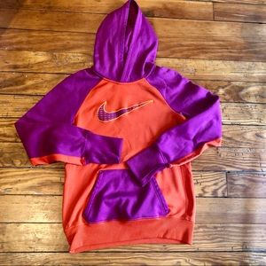 Nike Therma-Fit Women's Sweatshirt